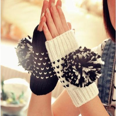 Mitaines pompons boho boheme chic gloves0225
